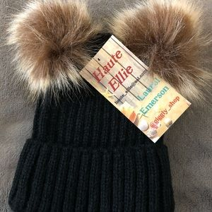 Other - Baby Pom Pom hat